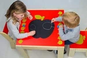 Kindersitzgarnitur zum Malen