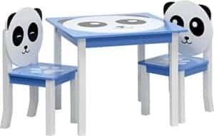 Kindertisch und Stühle mit Panda
