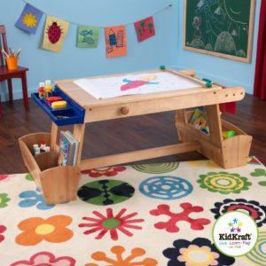 Mal-, Bastel- und Spieltisch